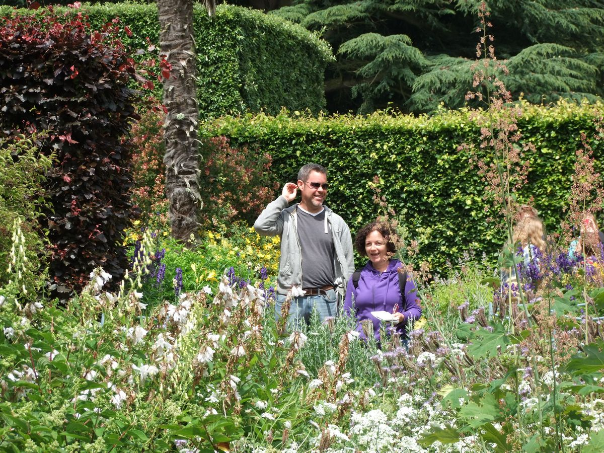 how to become a gardener uk